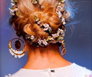 hair and hair accessories image