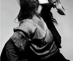 florence welch, florence and the machine, and black and white image