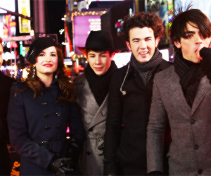 demi lovato, Joe Jonas, and jonas brothers image