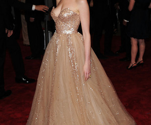 dress, Anne Hathaway, and fashion image