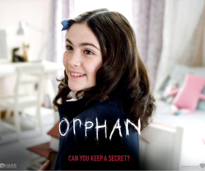 orphan and isabelle fuhrman image