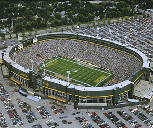 bucket list, green bay packers, and aaron rodgers image