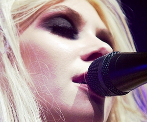 Taylor Momsen, blonde, and sexy image