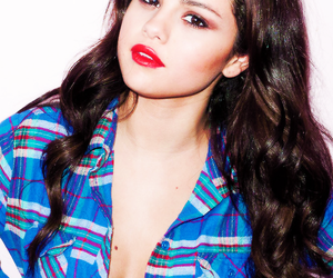 beautiful, brunette, and sel image