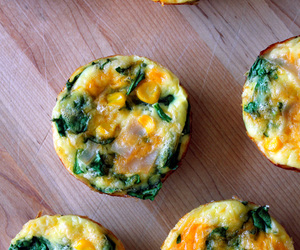 spinach, breakfast, and eggs image