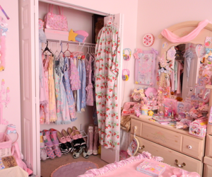 bedroom, Harajuku, and hello kitty image