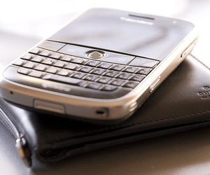 blackberry, gucci, and phone image