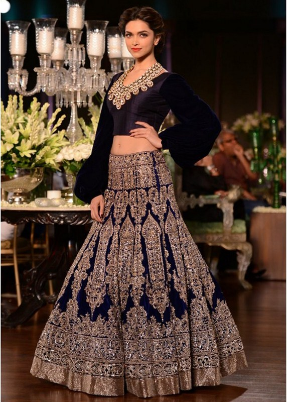 Indian Dresses For Wedding By Manish Malhotra At PCJ Delhi Couture ...
