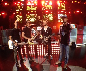simple plan and concert image