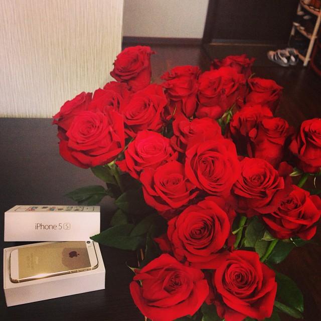 цветы розы айфон подарки фото подобрать идеальный вариант