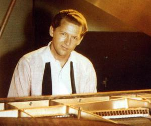 jerry lee lewis and piano image