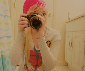 girl, dingyfeathers, and camera image