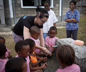 katy perry and UNICEF image