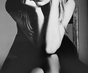 Taylor Swift, black and white, and photoshoot image