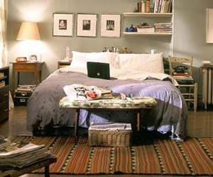 sex and the city, bedroom, and Carrie Bradshaw image