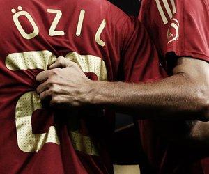 real madrid and Özil image