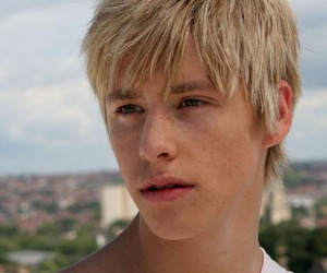 skins and maxxie image