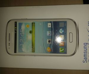 cell, white, and samsung galaxy s3 mini image