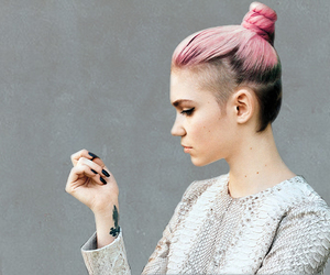 hair, grimes, and pink image