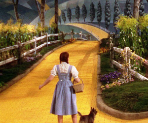 Wizard of oz, judy garland, and toto image