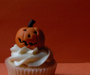 cupcake, Halloween, and jack-o-lantern image