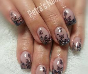 chic, manicure, and nail art image
