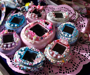 tamagotchi, kawaii, and toys image