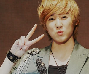 ukiss, kevin, and kevin woo image