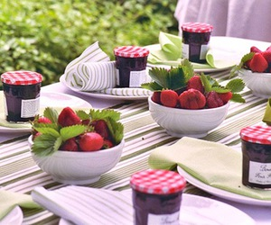 berries, reception, and centerpiece image