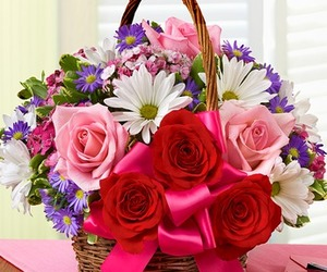 wedding flowers, flowers delivery, and flowers bouquets image