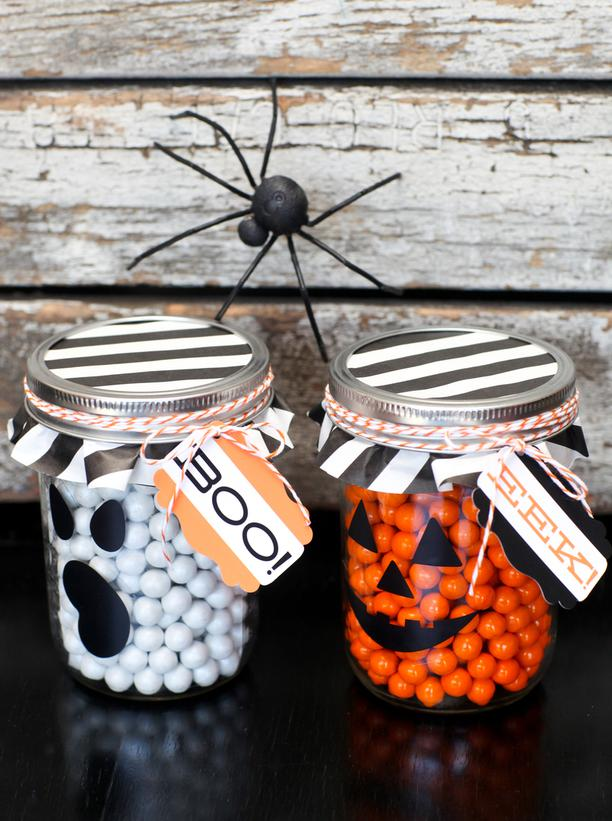 Mason Jar Favors For Halloween On We Heart It