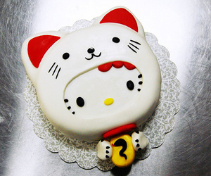 cakes, hello kitty, and lucky cat image