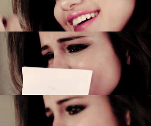 selena gomez, cry, and perfect image