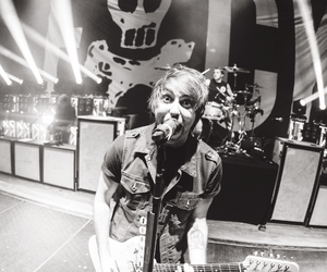 alex gaskarth, music, and all time low image