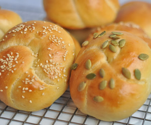bread, yeast, and tangzhong image