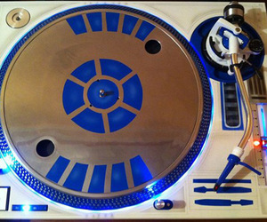 r2 d2, star wars, and turntable image