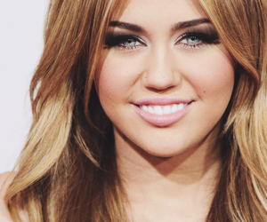 miley cyrus, smile, and gorgeous image