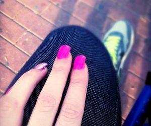 nails, pink, and airmax image