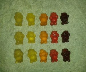 bears, hungry, and gummibär image