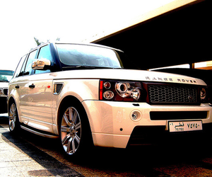 range rover and car image