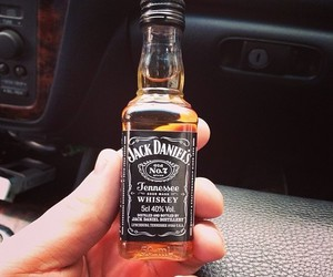 drink, whiskey, and jack daniels image