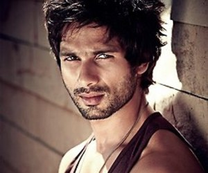 actor, boy, and shahid kapoor image