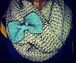 bow and scarf image
