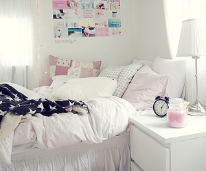 bed, sensetive, and girl image