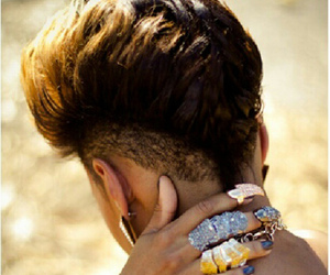 fashion jewelry, short, and cool accessories image