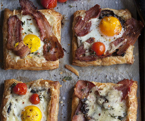 bacon, breakfast, and eggs image