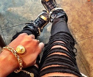 black, chic, and fashionable image