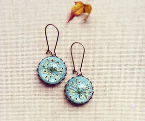 botanical jewelry and real flower earrings image