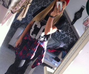 beanie, blonde, and girl image