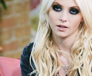 beauty and Taylor Momsen image